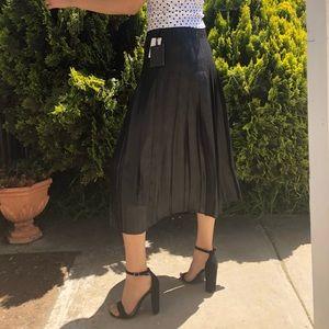 Brand new-Trouve Black Skirt